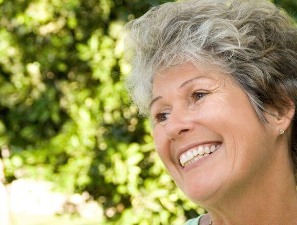 Creighton NE Dentist | Optimal Gum Health for Seniors