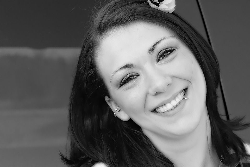 Dentist in Creighton | Are Dental Veneers Right for Me?